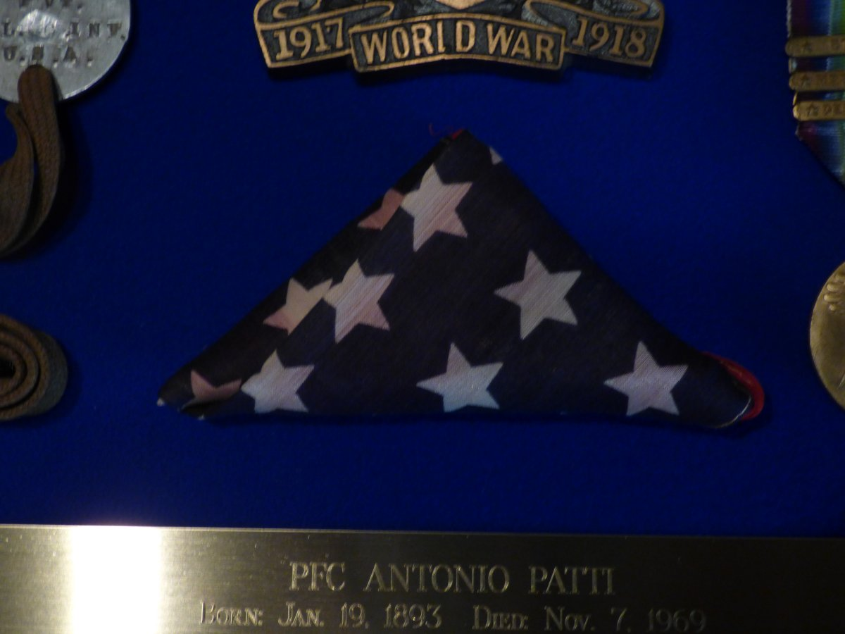 Log Cabin Memorial - Veterans 314th Infantry Regiment A.E.F. - Antonio Patti - Company K - Flag